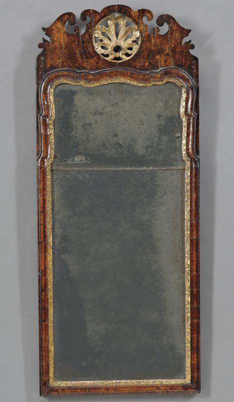 Antique mirrors american antiques skinner inc for Antique mirror