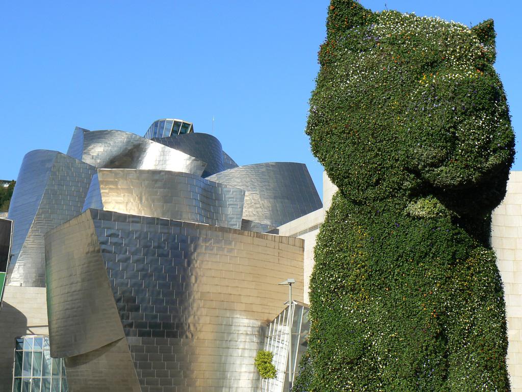 """Jeff Koons """"Puppy""""   Art Museums in Spain"""