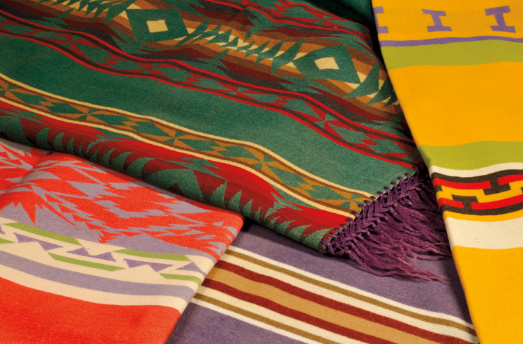Discovery auction   Wool Indian Trade Blankets