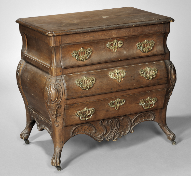 Canadian Furniture | Antique Chest of Drawers - Canadian Furniture Antique Chest Of Drawers Skinner Inc.