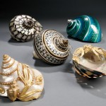 Five Large Painted Shells (Lot 812, Estimate $150-$250)