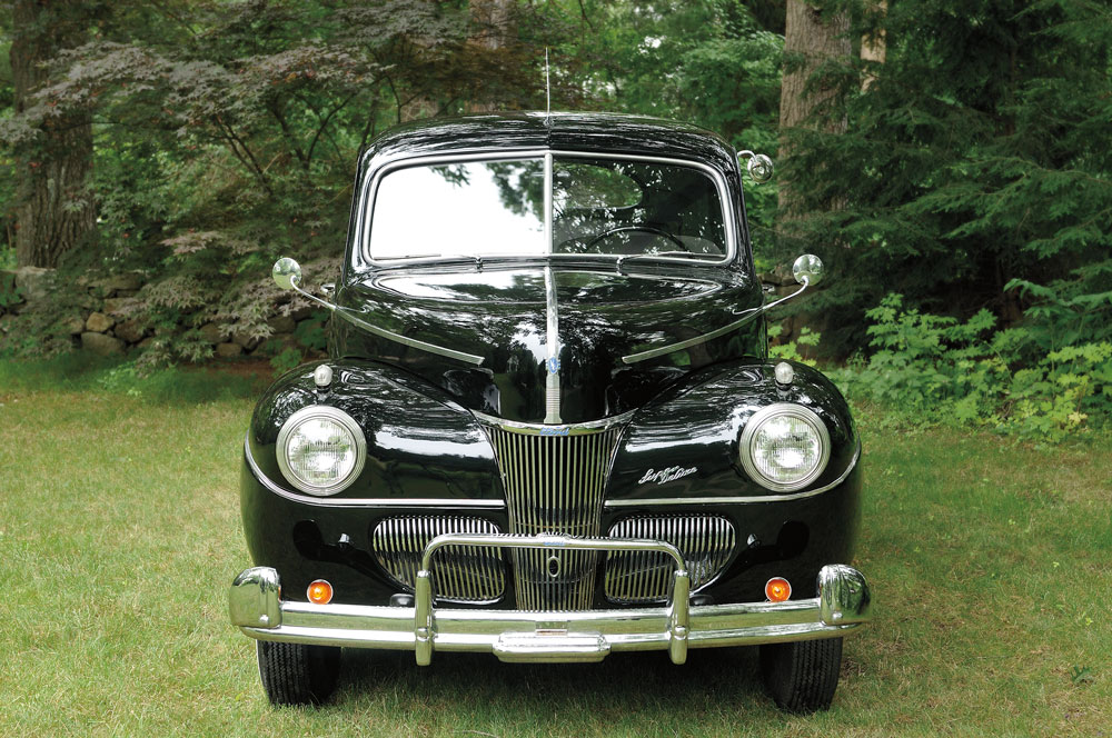 America's Affair With The Ford V-8 Automobile Engine