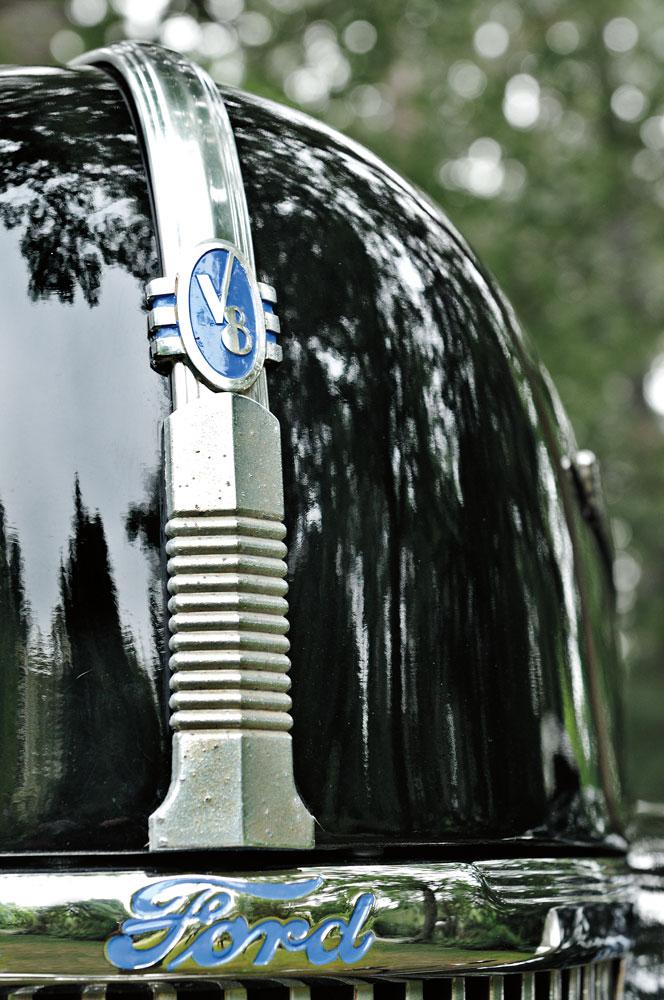 M Antique Vehicle Ford V
