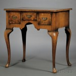 Queen Anne-style Walnut Dressing Table (Lot 1239, Estimate $400-$600)