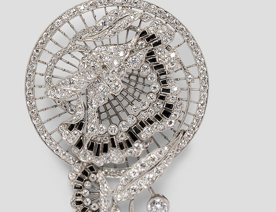[Detail] Fine Art Deco Platinum and Diamond Brooch (Lot 719, Estimate $8,000-$10,000)