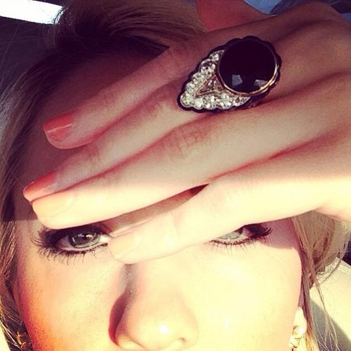 Gem Gossip | 14kt Gold, Garnet, and Diamond Ring